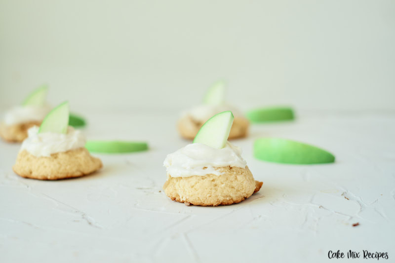 Featured image showing the finished apple pie cookies with green apple slices for garnish ready to serve.