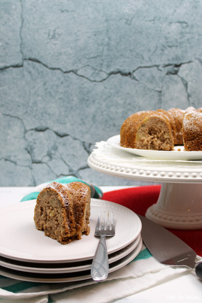 a look at the finished recipe for apple bundt cake ready to eat.
