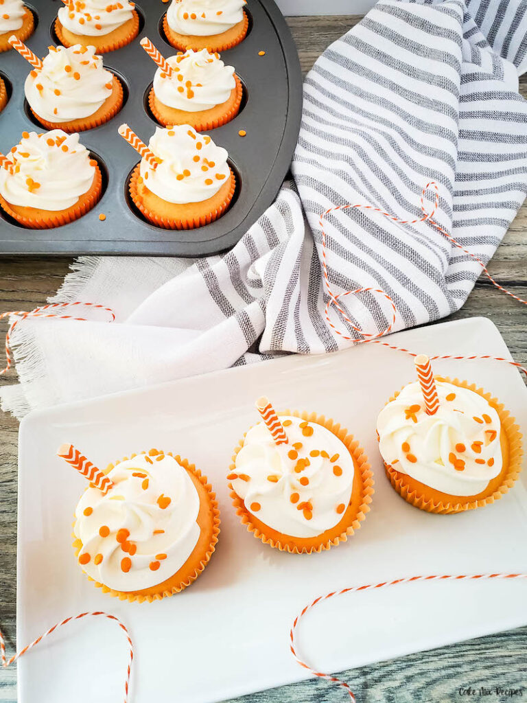 another look at the finished recipe for making a creamsicle cupcake