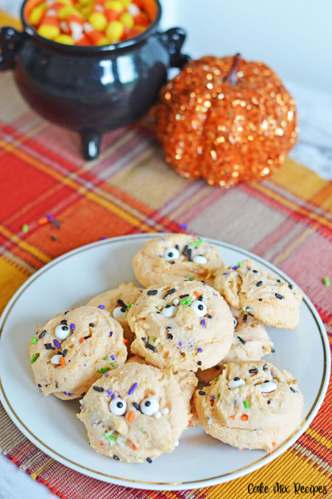 another look at the finished halloween cake mix cookies ready to eat.