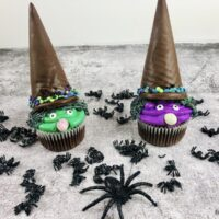 Featured image showing the finished halloween witch cupcakes ready to eat.