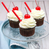 Featured image showing a finished root beer cupcakes with cake mix